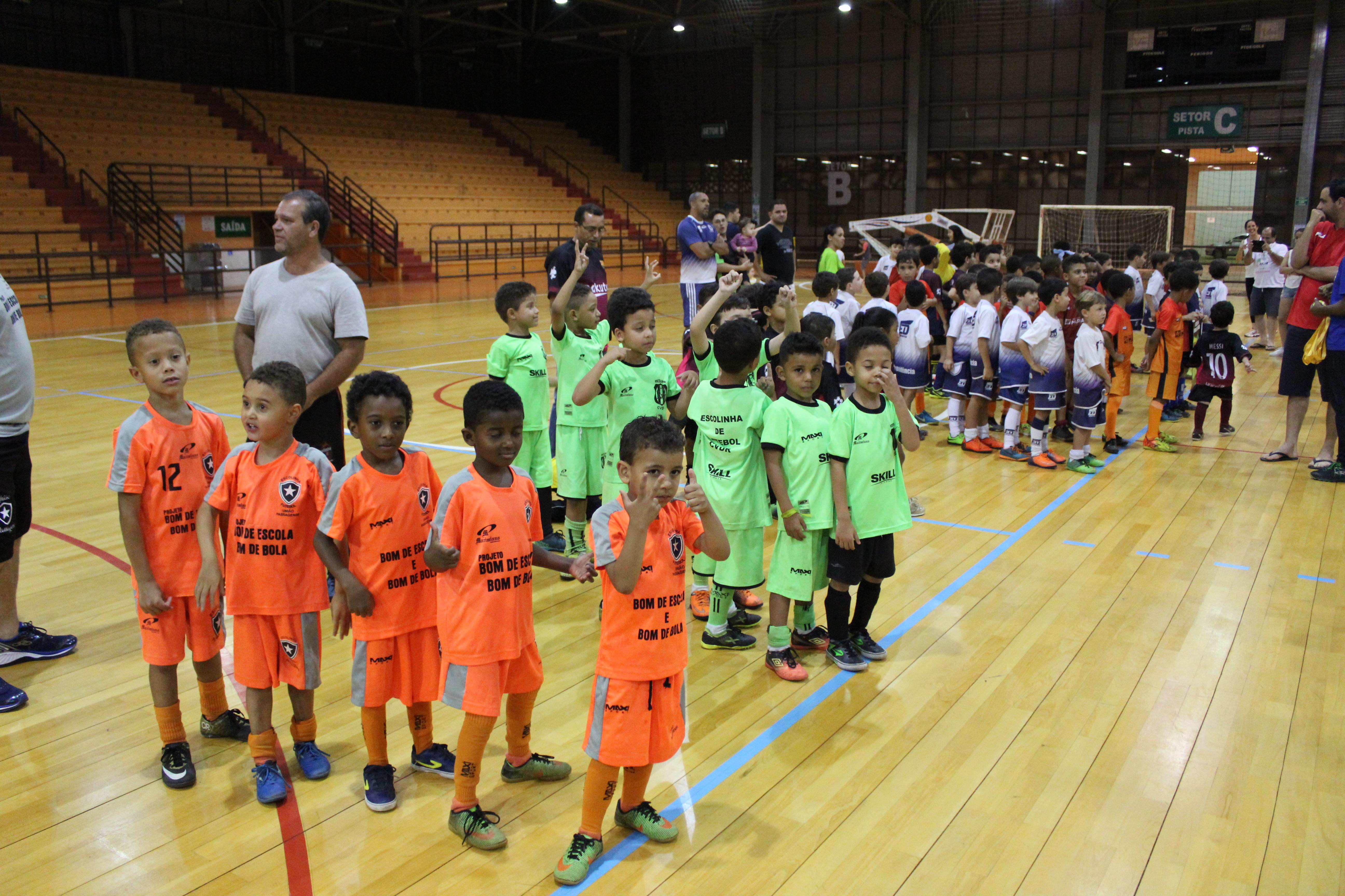 """274b42a62 """"Educar pelo Esporte""""  Jogos finais do 1º Torneio de Futsal movimentam  Mariana-MG"""