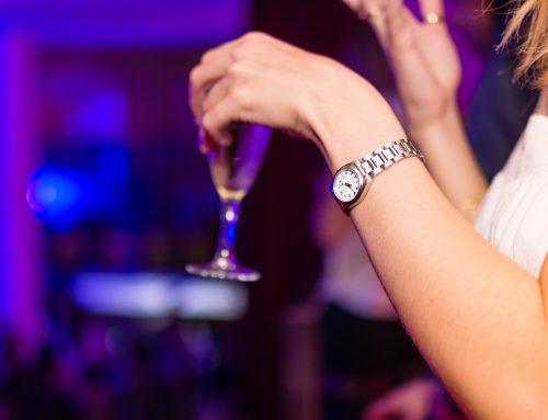 'Índices de alcoolismo vêm crescendo entre mulheres', leia entrevista com a psicóloga Ana Café