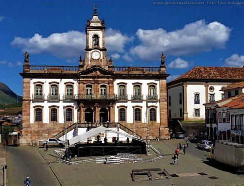Saiba por que há um palanque sendo montado na Praça Tiradentes, em Ouro Preto-MG
